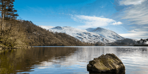 Christmas Breaks In The Heart Of The Lakes