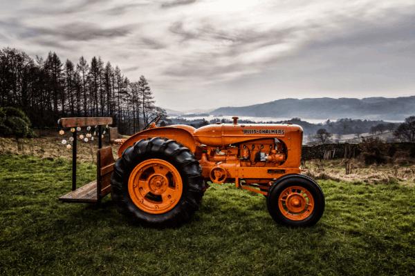 Vintage Allis-Chalmers Tractor