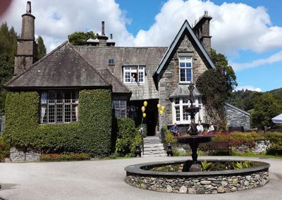 Exclusive Use Venues In The Lake District Golden Wedding Anniversary Image 4